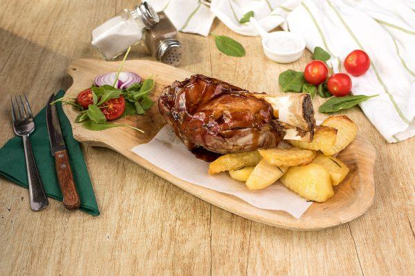 Ciolan de porc + cartofi cu rozmarin