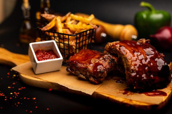 Coaste de porc & cartofi pai proaspeți & sos chilly – 700 gr -angle2