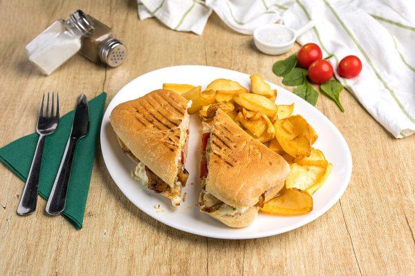 Sandwich cu piept de pui Zone Cafe Timisoara
